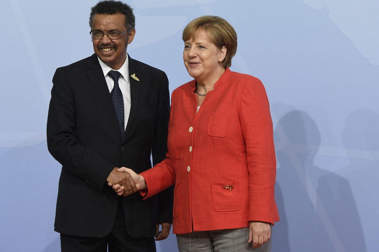 Tedros Adhanom Ghebreyesus et Angela Merkel lors d'une rencontre à Hambourg en juillet 2017. [Saul Loeb - AFP]
