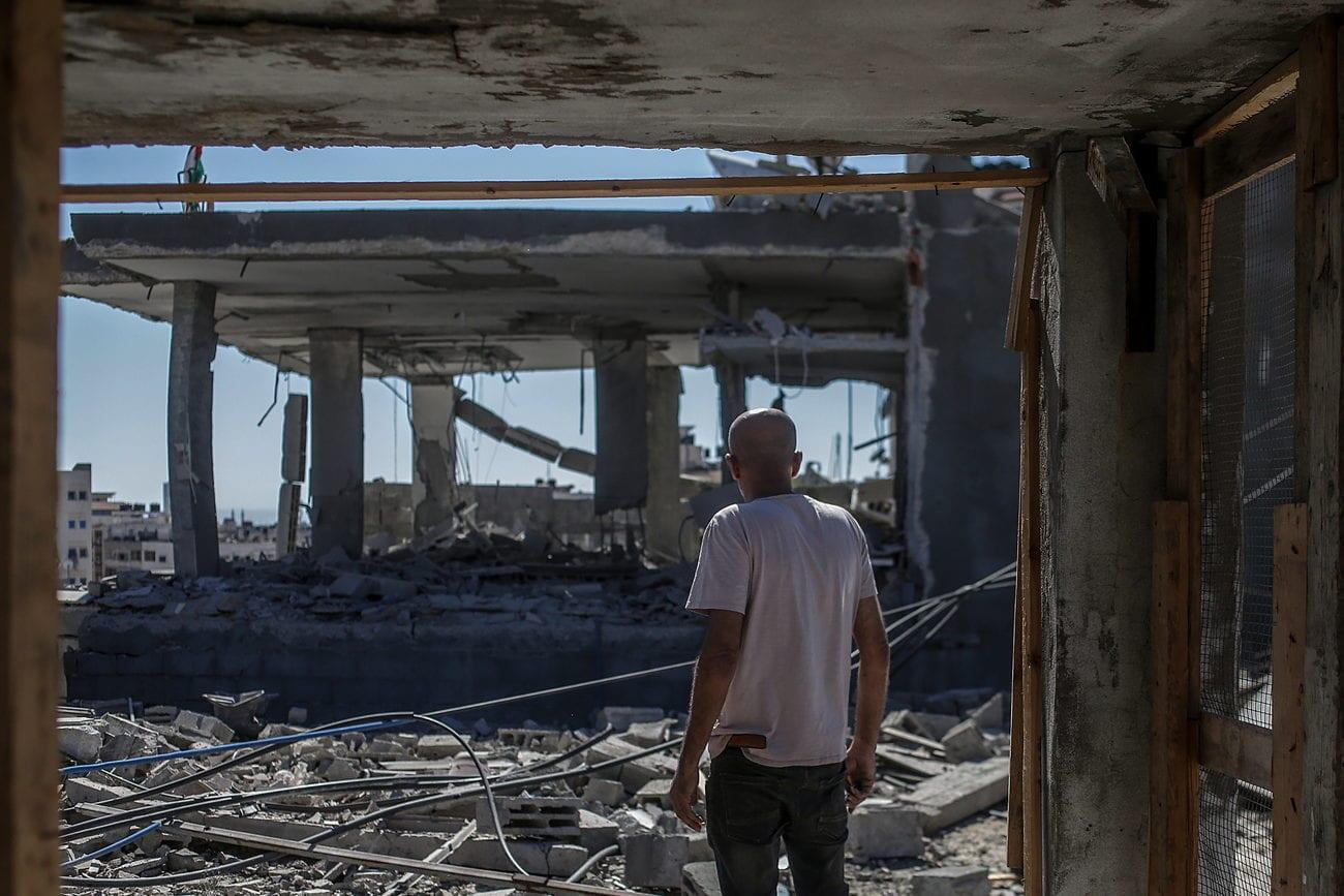 Une maison détruite après des tirs aériens sur Gaza