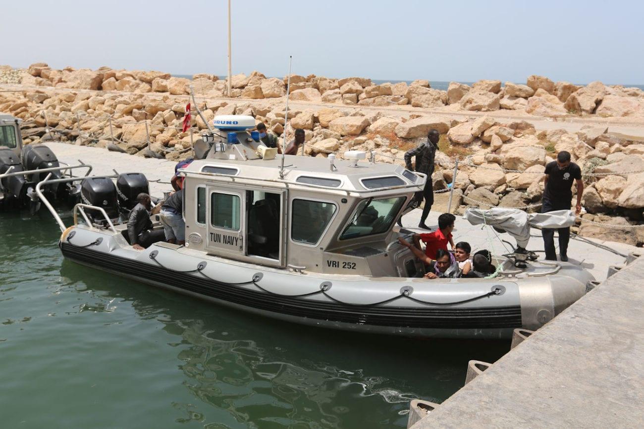 La marine tunisienne sauve régulièrement des migrants en mer (ici