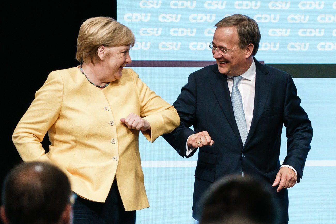 Angela Merkel au côté d'Armin Laschet à Berlin