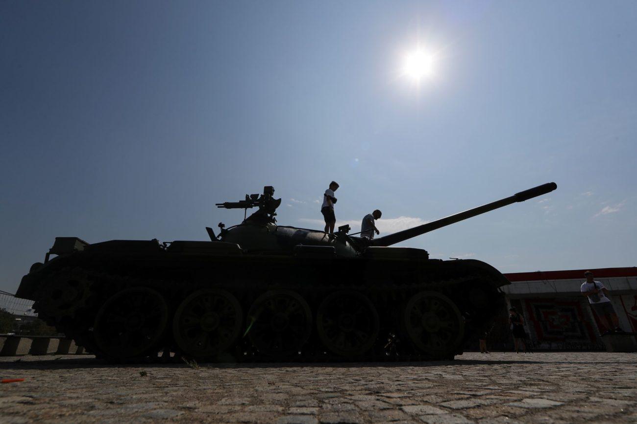 La tension monte d'un cran entre la Serbie et le Kosovo (image d'illustration: ancien tank T-55 serbe). [Marko Djurica - Reuters]